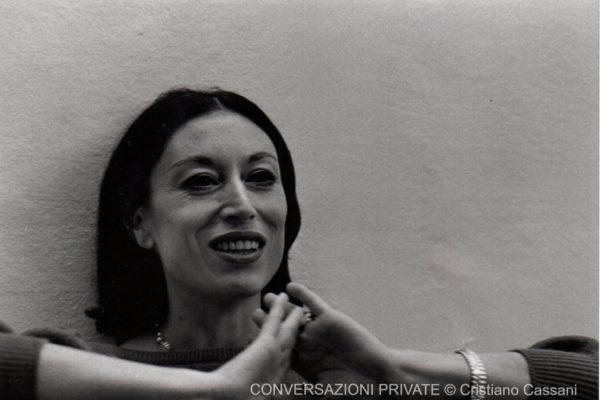 Conversazioni private, Luciana Savignano